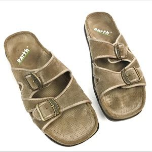 Earth khaki Magnetism 2 suede sandals with buckles